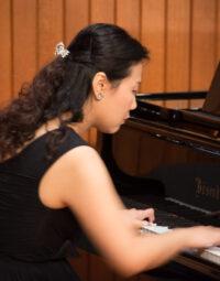 經驗鋼琴老師教授各級鋼琴及樂理課程